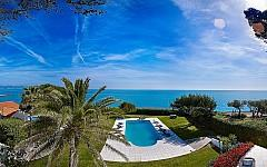 Villa Cap d'Antibes with pool and panoramic views
