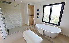 Villa for sale Cannes, bathroom