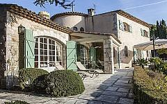 Bastide to rent Super Cannes ideal for family holidays