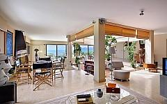 Californian style villa Cannes West