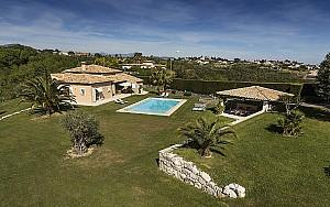 5-bedroom family villa for sale, on the hills of Cagnes-sur-Mer