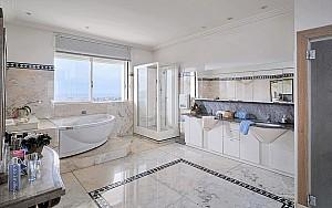 Art Deco villa for sale Cannes, bathroom
