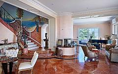 Villa for sale Cannes Eden, spacious living room