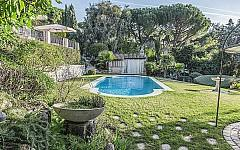 Bastide for rent Super Cannes with gardens