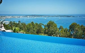 Modern villa to rent in Super Cannes