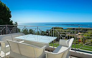 Villa to rent Super Cannes with panoramic sea views