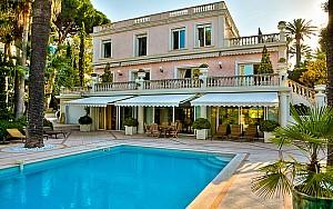 Villa to rent in the western part of Cap d'Antibes