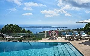 Modern house to rent in Super Cannes with panoramic sea view