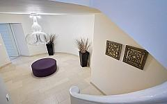 Villa for sale Cannes Cannet, staircase