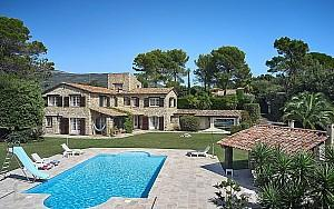Stone house for sale in Grasse with pool and 6 bedrooms