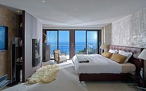 Luxury Modern Villa Super Cannes with Panoramic Seaview