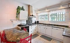 Villa for sale Super Cannes with fitted kitchen