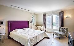 Renovated charming villa Cannes, bedroom