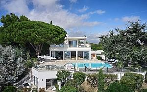 Luxury modern house to rent in Super Cannes