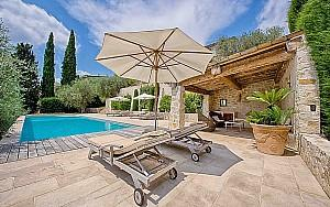 5 bedroom house for sale in Grasse with pool