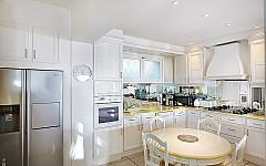 Villa for sale Mougins, fully fitted kitchen